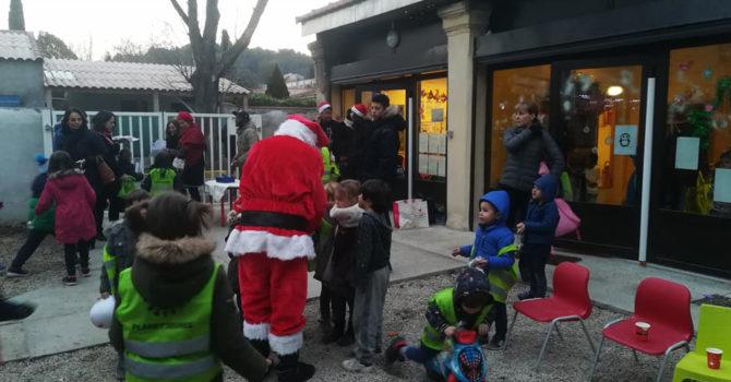 Laqhila Marche De Noel Association Le Point Rose Luynes 02